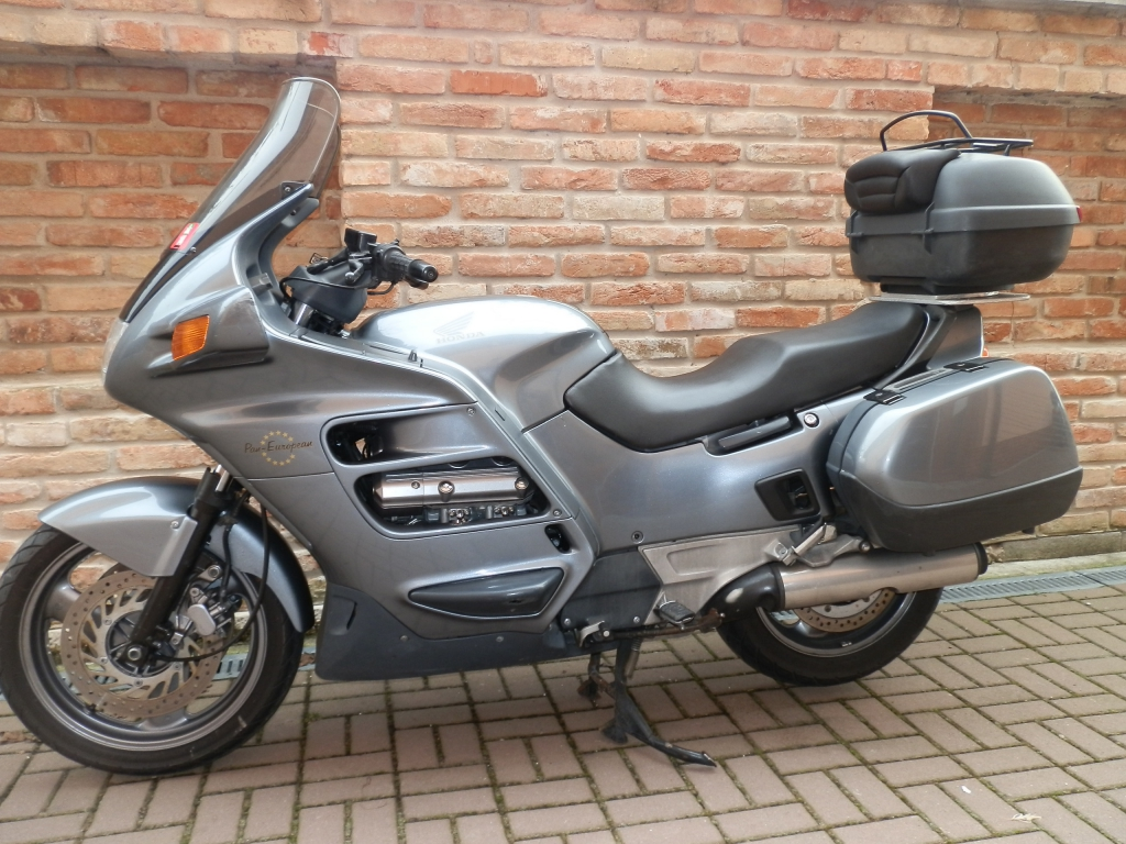 motocykel honda st 1100 pan european japanmoto. Black Bedroom Furniture Sets. Home Design Ideas